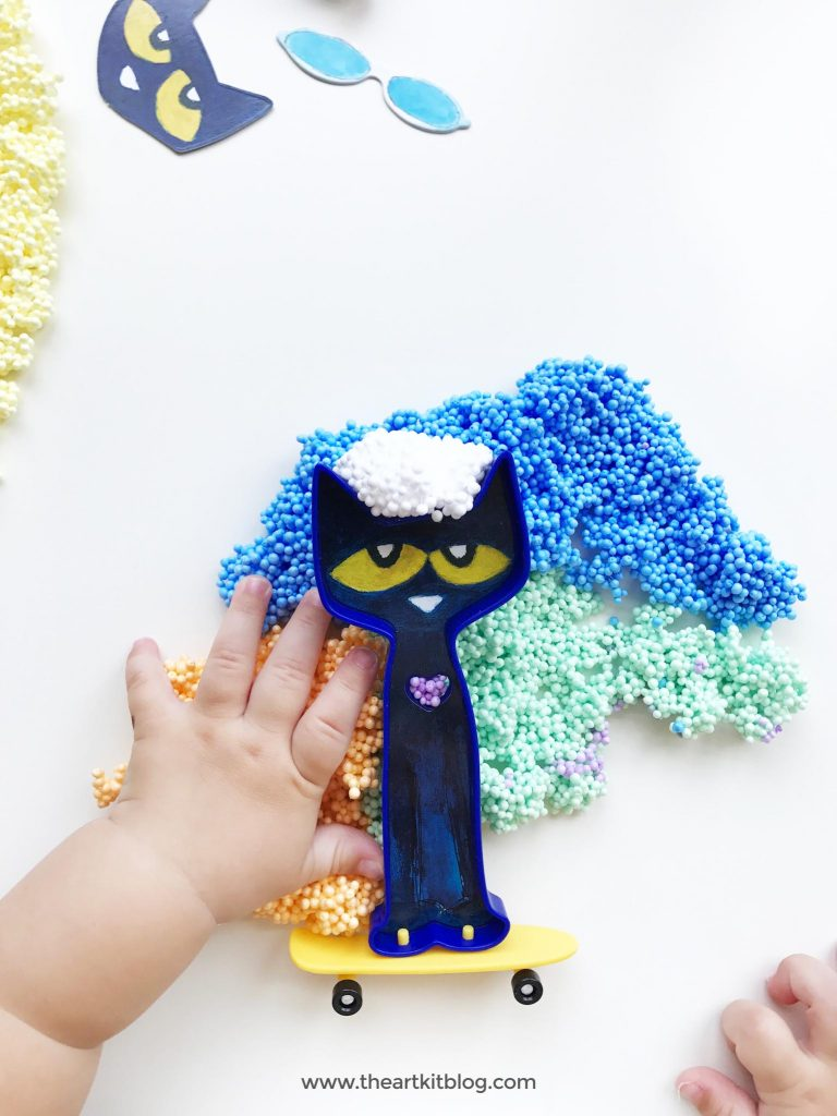 Pete the Cat Play Foam Activity for Kids. Looking for an all-in-one activity kit for kids that will keep them entertained for hours? Educational Insights' Pete the Cat Play Foam play set is just what you need! We recently had the opportunity to test it out and we were so impressed with it that we just had to share our experience with you. Even if you aren't familiar with Pete the Cat (we weren't, admittingly), your kids will still have a blast having all sorts of fun with this fun set. Read on to see all the photos and fun we had. @theartkit
