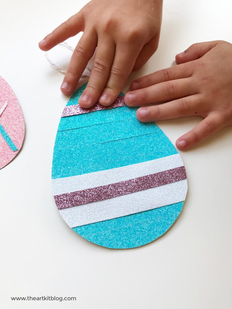 Glitter tape easter egg paper craft from @theartkit www.theartkitblog.com