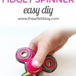 How to Make a Fidget Spinner from Wikki Stix {Easy DIY}