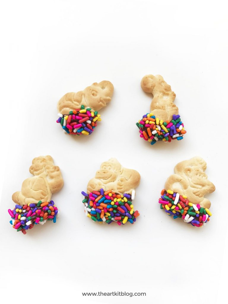 Animal cookies snack recipe chocolate sprinkles @theartkit