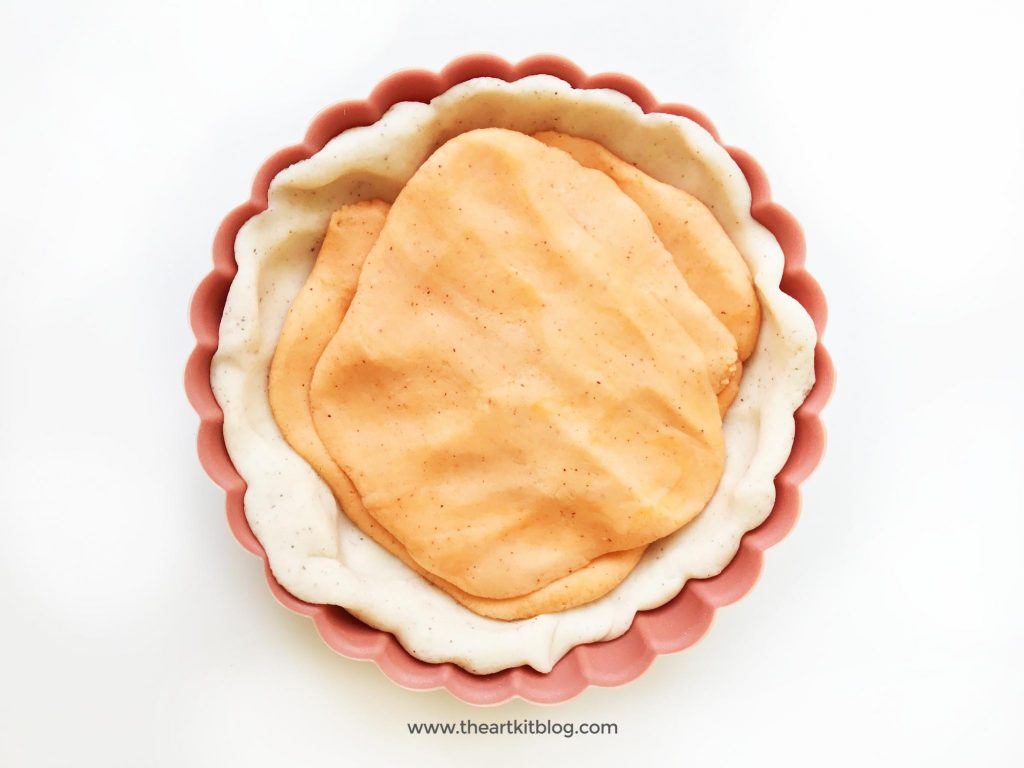Pumpkin pie playdough recipe and activity from The Art Kit Blog