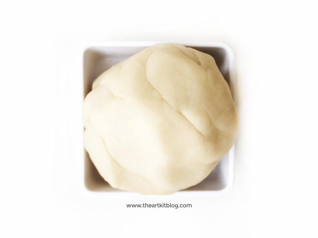 Taste safe vanilla playdough recipe homemade by the art kit blog