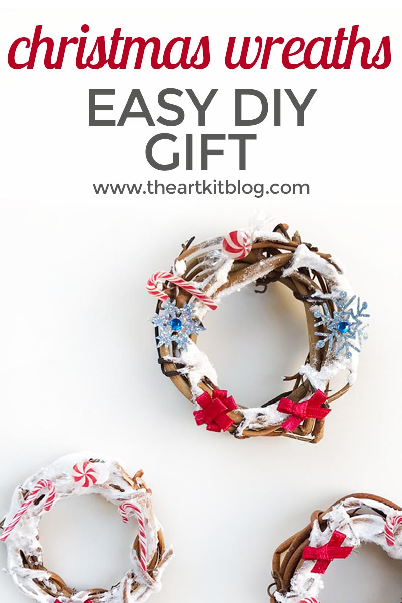 Mini Christmas Wreath Craft {Easy DIY Gift Idea}