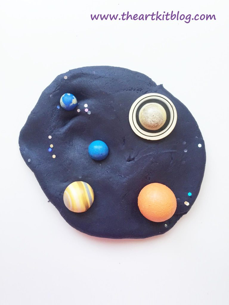 Space Galaxy Playdough - An Invitation to Play. Read More on The Art Kit Blog or Pin for Later